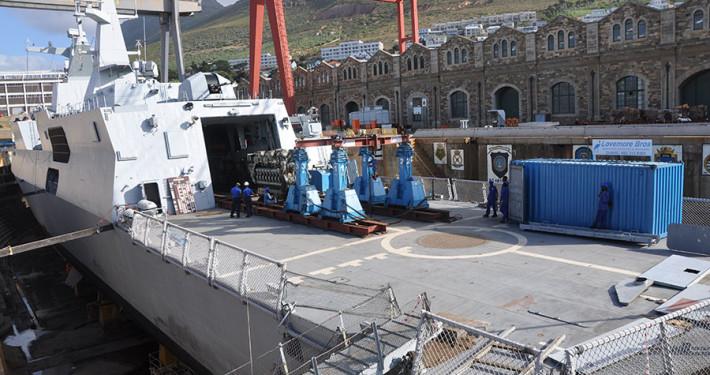 SA Navy Islandlwana (1)
