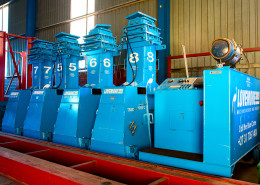 Lovemore Bros Hydraulic Gantry