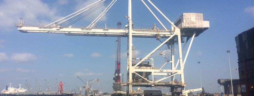 880 ton ship unloader meticulously moved from Richards Bay